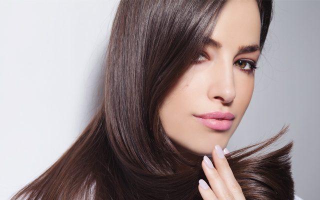 7 Tipps gegen fettige Haare